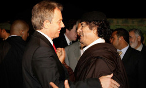 Tony-Blair-and-Muammar-Ga-007